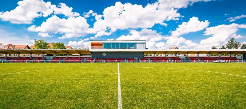 Stadion MKS Puszcza