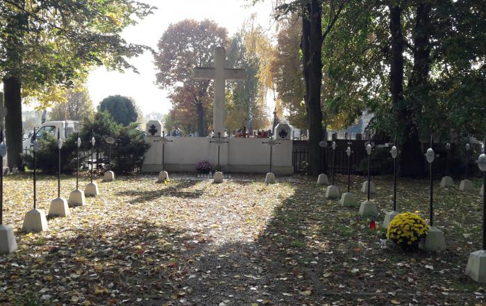 cmentarz wojenny nr 327 w Niepołomicach