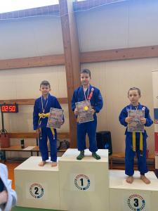 Franek, zdobywaca 1 miejsca i Bartek, zdobywca 3 miejsca podczas II Liga Combat Ju-Jutsu