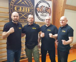 zdjęcie grupowe trenerów podczas II Liga Combat Ju-Jutsu
