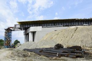 Plac budowy przy powstającej obwodnicy Podłęża