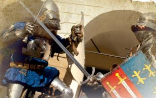 Baner - walczący rycerze w zbrojach
