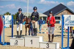 najlepsze pary konkursu w kat. Junior - złoty medal Marta Wypiór i Gina Royalty 2470 - Wiktoria Koza i Sumira - kat. Senior